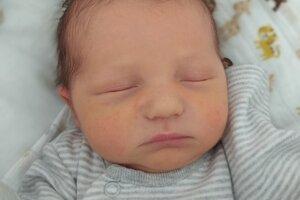 Matias Broska (3820 g, 53 cm) sa narodil 13. apríla Martine a Mariánovi z Považian.