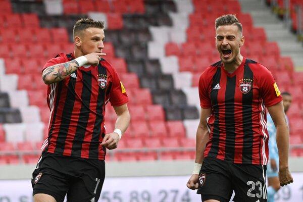 Momentka z derby zápasu Spartak - Slovan