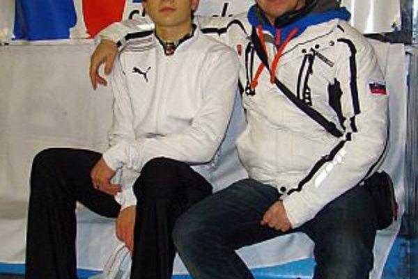 Simon Fukas s Ľubošom Remišom, jeho trénerom v KŠK Slovan Bratislava.