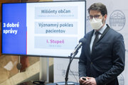 Šéf Inštitútu zdravotníckych analýz Matej Mišík počas tlačovej konferencie k aktuálnej epidemiologickej situácii po 8. rokovaní vlády SR 5. mája 2021 v Bratislave.