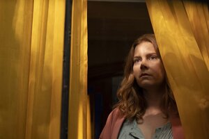 Amy Adams vo filme The Woman in the Window.