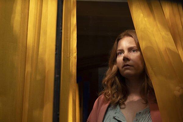 Amy Adams vo filme The Woman in the Window.