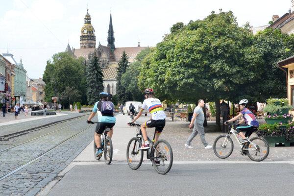 Vlani stúpli počty rekreačných cyklistov o 60 %. Podľa údajov zo športovej aplikácie ich počty rástli aj v tomto roku.