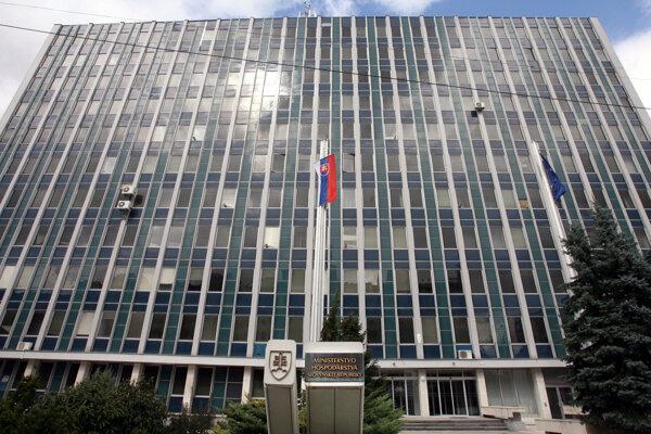 Budova ministerstvo hospodárstva na Mierovej ulici.