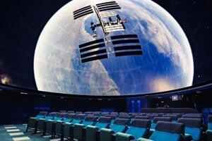 V planetáriu premietajú filmy v celooblohovom režime a v grafickom rozlíšení 4K.