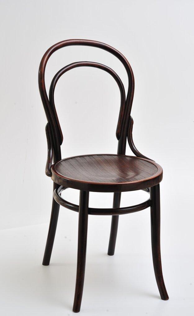 Vzor 14 – najznámejšia thonetovská stolička (Fond Hornonitrianskeho múzea v Prievidzi)