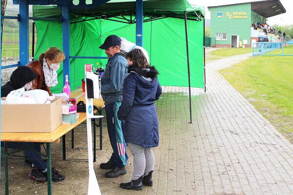 Fanúšikovia si mohli urobiť test priamo pri vstupe do areálu.