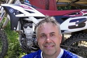 Robertovi Štrbákovi učaroval motokros.