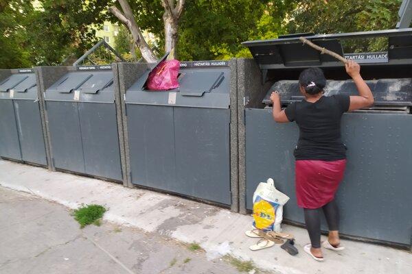 Betónové kryty na kontajnery sú často kritizované.