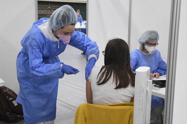 Pribudli ďalšie tisíce zaočkovaných.