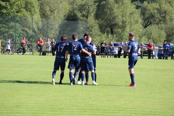 V Chlebniciach padlo až sedem gólov.