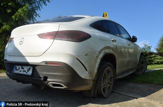 Aktivoval sa mu airbag a poškodil si aj palivovú nádrž.