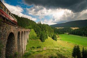 Historické zážitkové vlaky v Banskobystrickom kraji sú už v predaji.