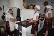 Vo Vychylovke rozkúrili dobové pece