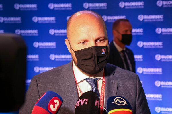 Minister obrany Jaroslav Naď počas medzinárodnej konferencie Globsec 2021 Bratislava Forum.
