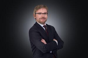 Na čo má nárok zamestnanec v porovnaní so živnostníkom hovorí Ondřej Majer, partner v advokátskej kancelárii Havel & Partners.