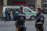 Polícia na mieste činu v nemeckom Würzburgu.