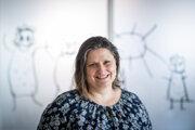 Mgr. Hana LACIKOVÁ, PhD. je európskou klinickou špecialistkou na oblasť porúch plynulosti reči.