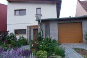 Takto vyzera dom pôvodne, bol nový, mal pätnásť rokov.