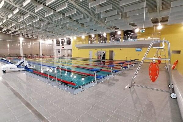 Plaváreň v Snine.