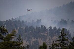 Sucho a vysoké teploty naďalej podnecujú vznik nových požiarov.