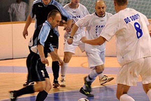 Vlani sa z prekvapujúceho triumfu tešili Výčapy-Opatovce, keď vo finále zdolali Janíkovce.