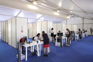 Testovacie centrum v Cannes.
