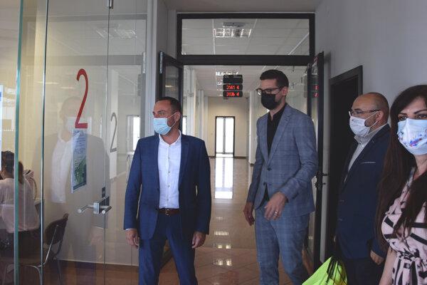 Otvorenie Informačnej kancelárie pre obete trestných činov v Leviciach.