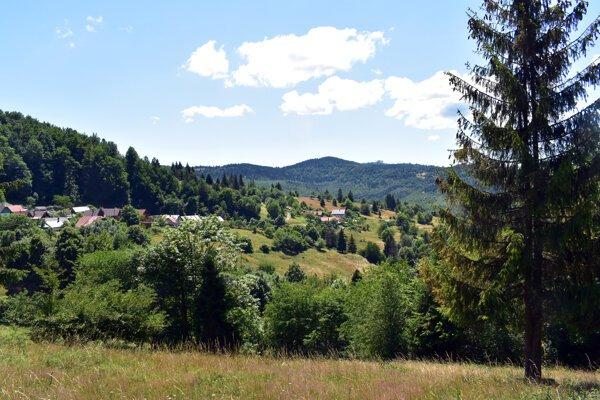 A view of the Kysuce hills from the Kýčera settlement.