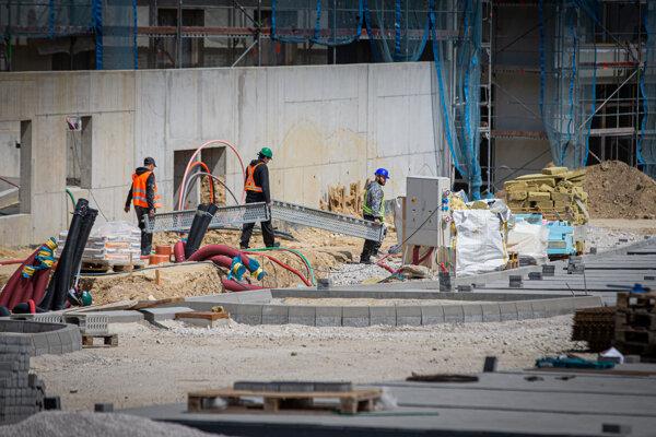 Pre rast cien stavebných materiálov rastú aj náklady developerov na výstavbu.