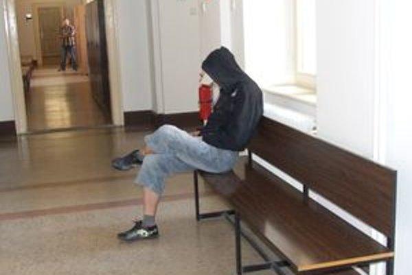 Peter J. vystupoval ako obeť v troch prípadoch. Nakoniec aj jeho odsúdili za pokus o vraždu.