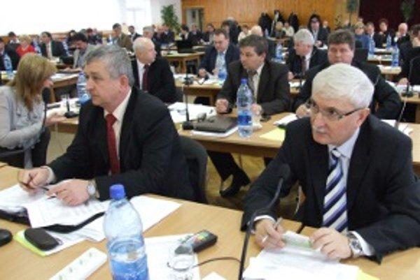 Krajskí poslanci zámenu medzi Komárnom a nitrianskou župou schválili.