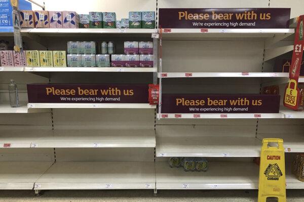 Britská vláda sa snaží zabrániť potravinárskej kríze