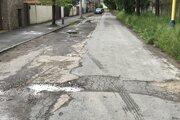 Aj takto vyzerajú cesty v širšom centre Prešova.