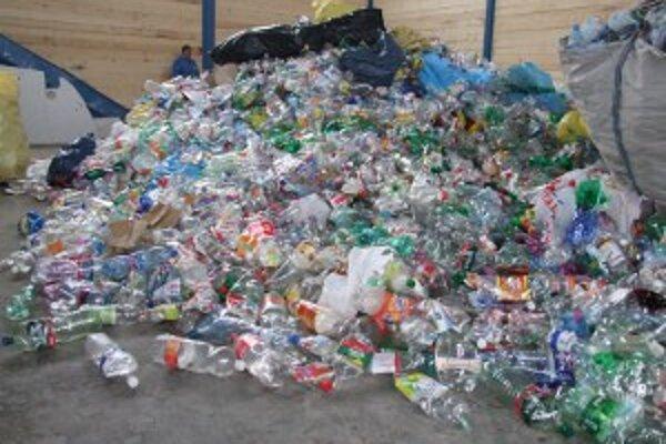 """Objem spracovaného odpadu na regionálnom """"smetisku"""" má postupne vystúpiť až na 30-tisíc ton ročne."""