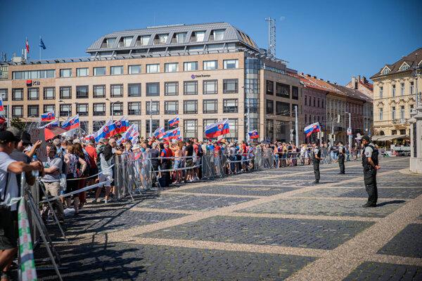 Protest antivaxerov v Bratislave.