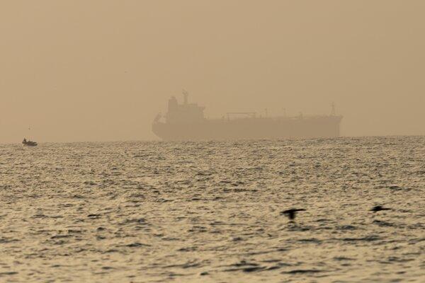 Plavidlo MV Asphalt Princess vlastní spoločnosť so sídlom v Dubaji.