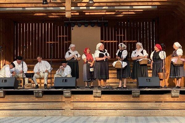 Na Zázrivských dňoch sa predstavilo viacero folklórnych skupín.