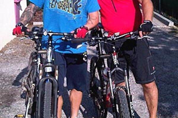 S manažérom Milanom Lednickým prevetrali horské bicykle.