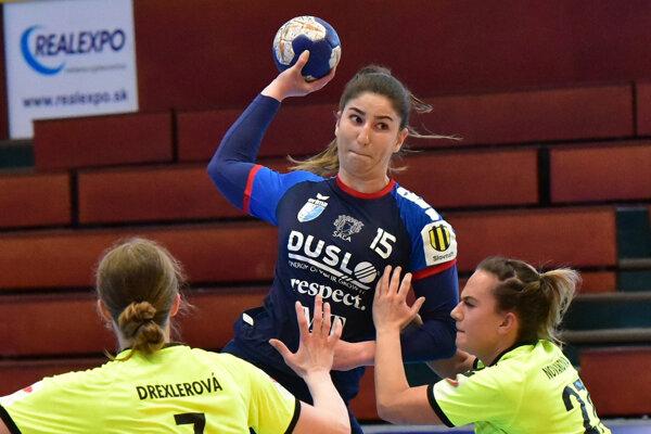 Nina Ušiaková prispela k výhre 6 gólmi.