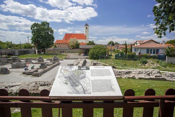 Zvyšky vojenského tábora, ktoré sa nachádzajú v areáli Antická Gerulata Múzea mesta Bratislavy