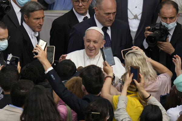 Pápeža Františka čaká návšteva na Slovensku.
