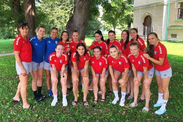 Hádzanárky Šale skončili na turnaji v Olomouci na druhom mieste.