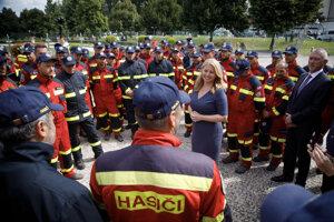 Prezidentka počas prijatia hasičov.