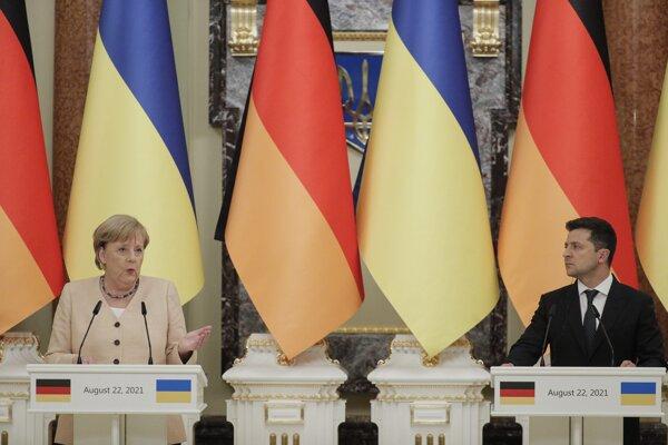 Kancelárka Merkelová a ukrajinský prezident Zelenskyj.