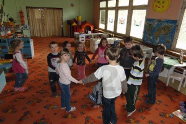 Škôlku na periférii mesta navštevuje 31 detí.