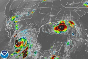 Vľavo vidno hurikán Nora a vpravo Ida.