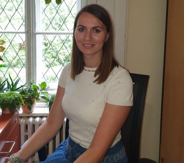Silvia Hrabčáková žije v Košiciach, v súčasnosti pracuje v Arcidiecéznej charite Košice.