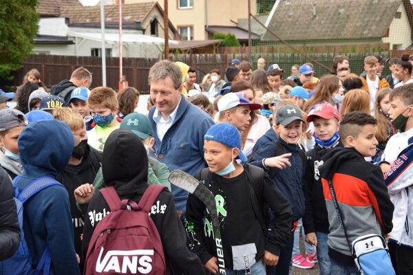 Školáci sa po prázdninách vrátili do škôl. Pedagógovia na žiakov čakali aj v ZŠ s MŠ Podhájska v Martine.
