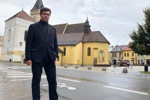 Juraj Vrábel zo Sabinova sa venuje vatikanistike.